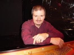 dsc04025-me-at-piano-portrait-retouch